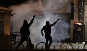 بالصور والفيديو: مواجهات بين الشبان الفلسطينيين وقوات الاحتلال الإسرائيلي في القدس