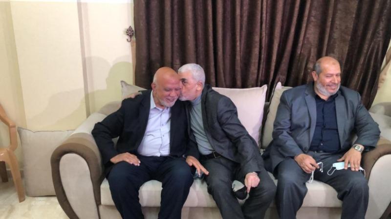 """""""حماس"""" تتّجه لإعادة انتخاب هنيّة لولاية ثانية ... والسنوار لقيادة غزّة مُجدّداً بمعركة تنافسية حامية"""