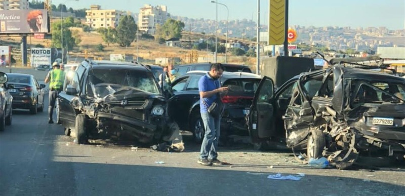 حادث مروع: تصادم بين 7 سيارات ووقوع جرحى على أوتوستراد السعديات.. والسبب الزحمة أمام المحطات!