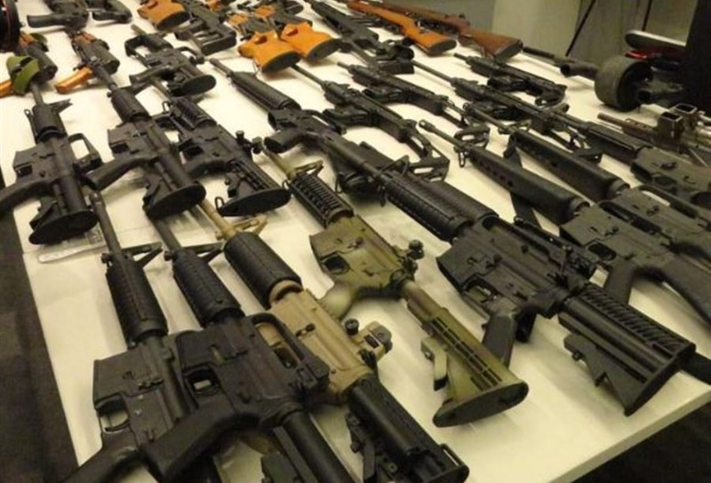 توزيع أسلحة في بعض المناطق اللبنانية