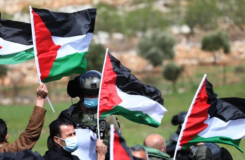 تواصل انتهاكات الاحتلال: إعتقالات وإصابات واعتداءات متواصلة للمستوطنين