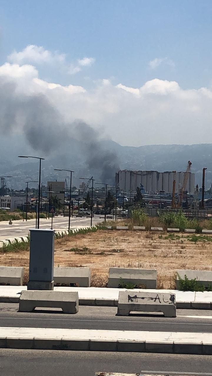 حريق في مرفأ بيروت... ماذا في التفاصيل؟!