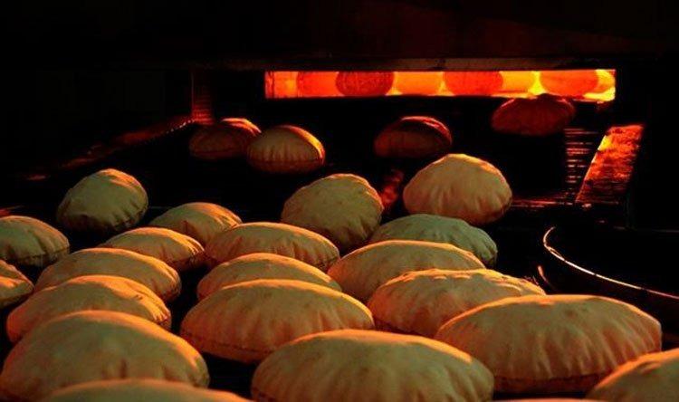 وزارة الاقتصاد تحدّد سعر ووزن ربطة الخبز