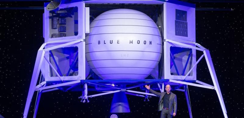 10 مليارات دولار.. حرب الفضاء تستعر بين أغنى رجلين في العالم