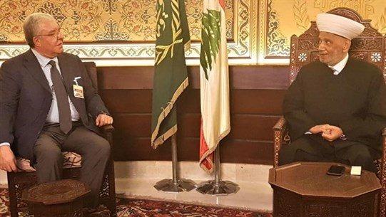المفتي دريان بحث مع النائب المشنوق في الملف الحكومي