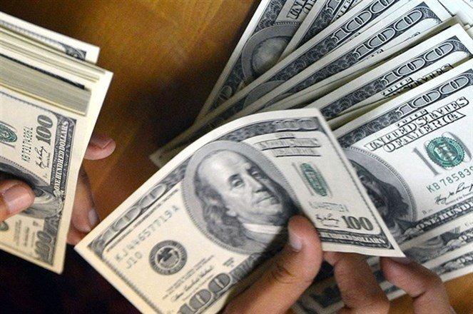دولار السوق السوداء يضرب برقم قياسي جديد