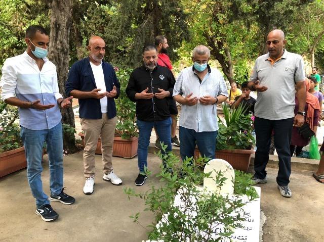 النائب أسامة سعد أدى صلاة العيد وزار أضرحة الشهداء