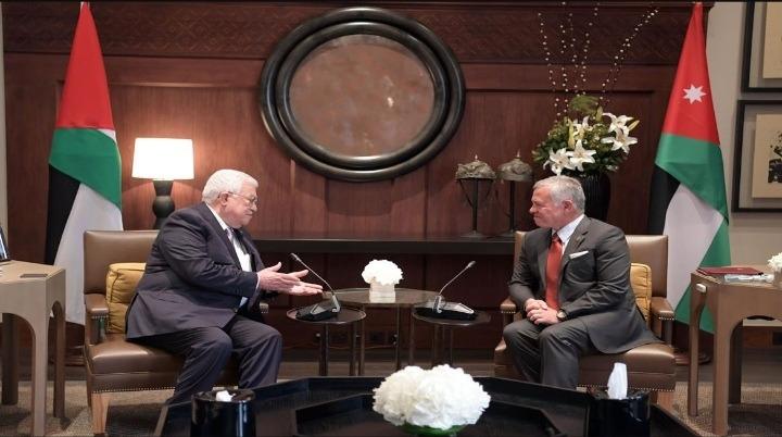 الرئيس عباس يصل عمان ويجتمع مع العاهل الأردني