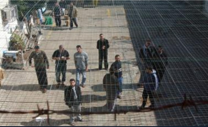 احداث السجون تربك الاحتلال .. اجتماعات على قدم وساق وتوقعات للاسوء