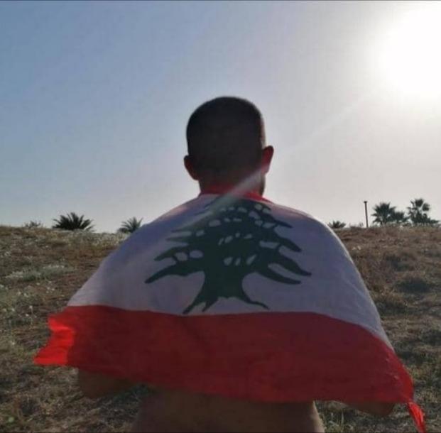 قصة تحد.. لبناني يحقق حلمه ويصل جزيرة الأرانب سباحة