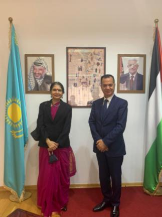 سفيرة الهند لدى كازاخستان تزور سفير دولة فلسطين لدى كازاخستان