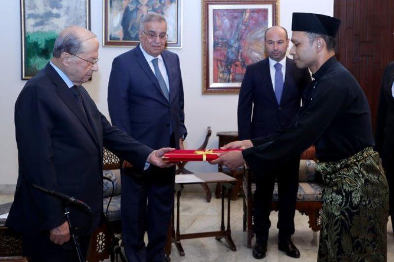 الرئيس عون تسلم أوراق اعتماد 4 سفراء